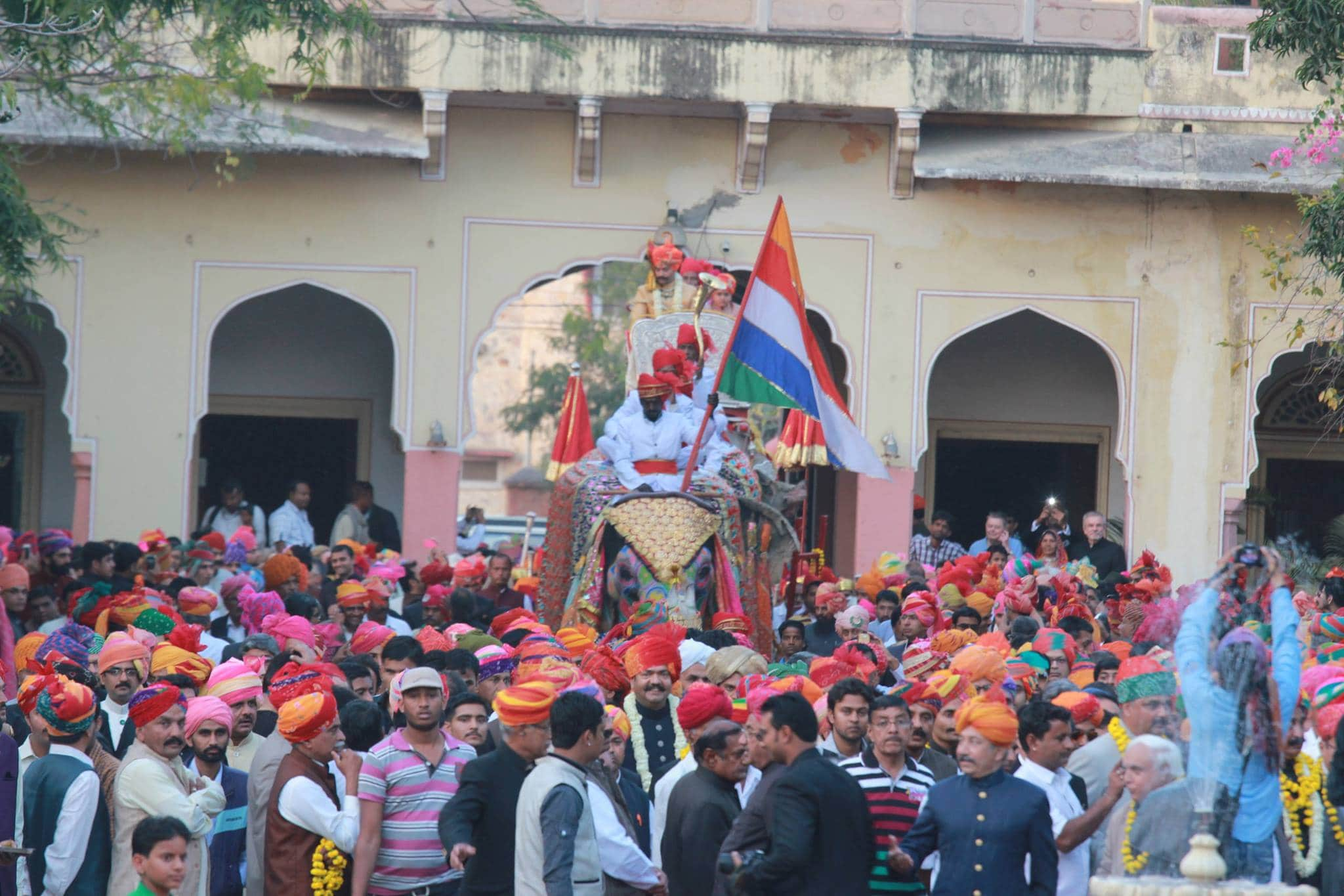 The wedding party entering Narain Niwas Palace