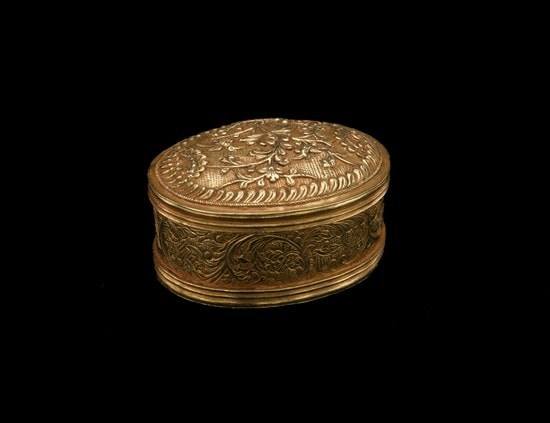 Gold snuff boxes with florals repousse work