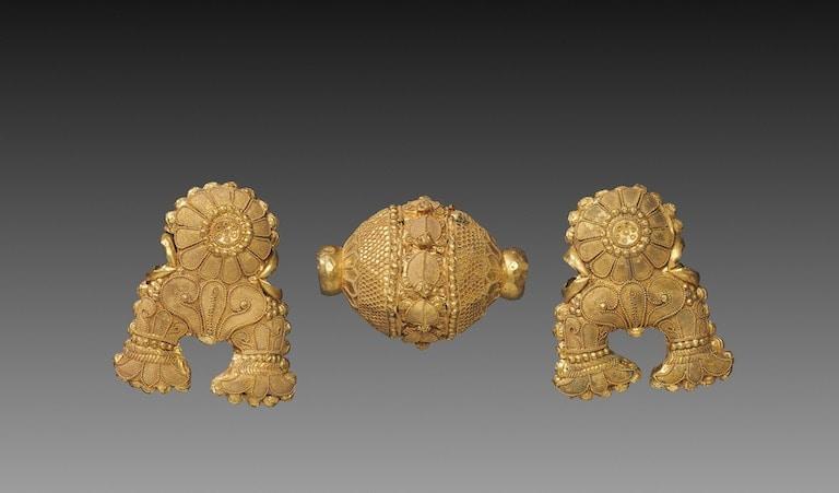 Triratna pendant from ancient India. 150 BC. Uttar or Madhya Pradesh, Sunga Period. Cleveland Museum