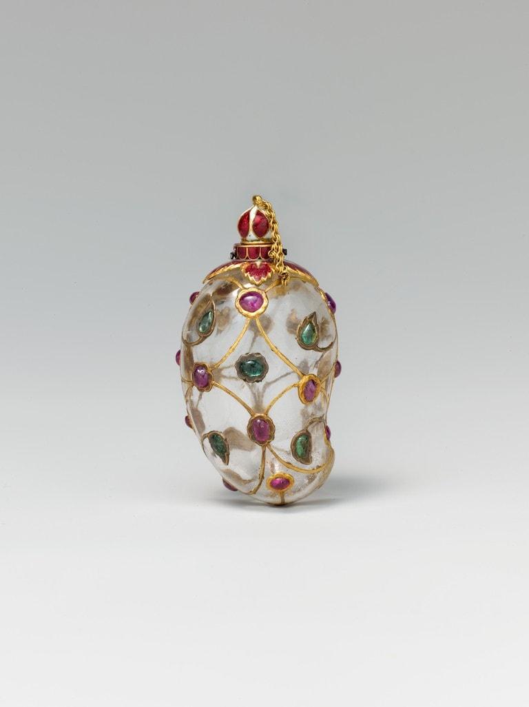 Mango-Shaped Flask, mid-17th century