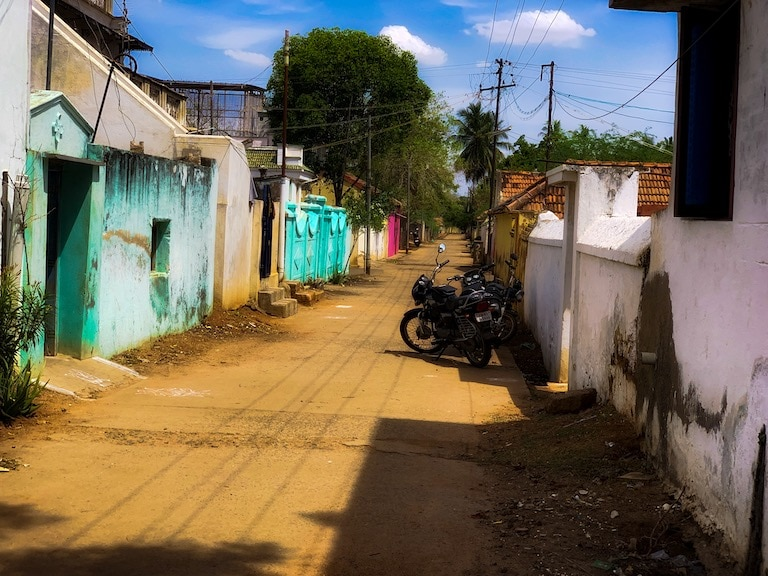 A street in Chettinad outside the jeweller, Muthumanickam's house and workshop
