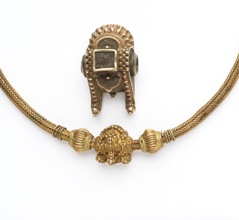 Gold marriage necklace