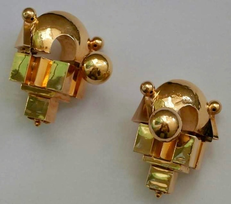 A pair of Thandatti earrings
